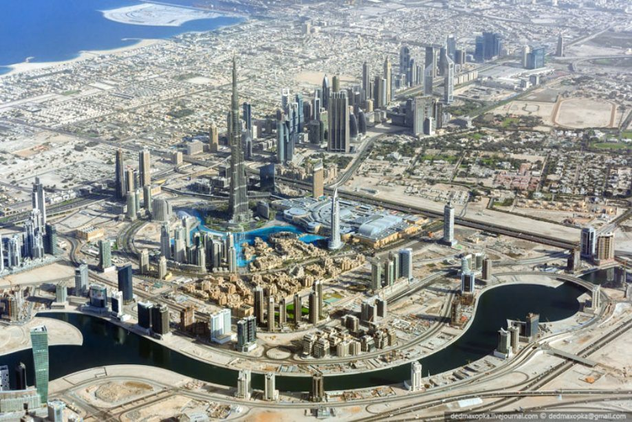 dubai-view-from-building-rooftops-10