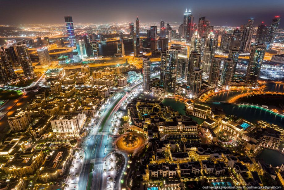 dubai-view-from-building-rooftops-15