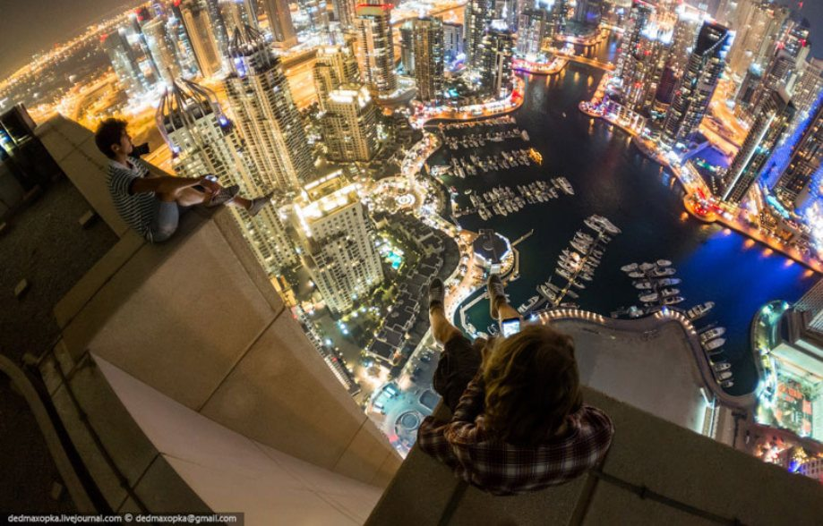 dubai-view-from-building-rooftops-5