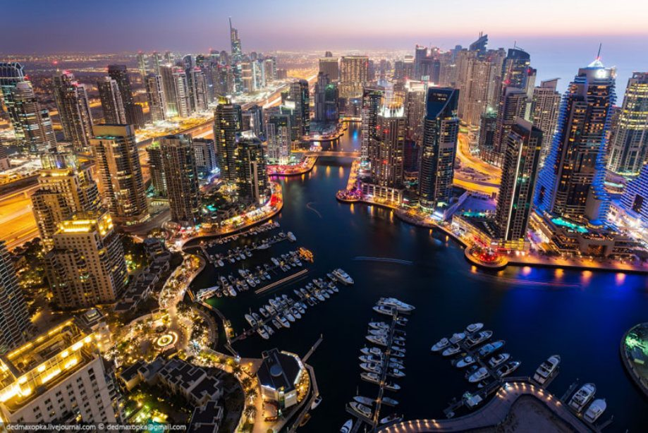 dubai-view-from-building-rooftops-6