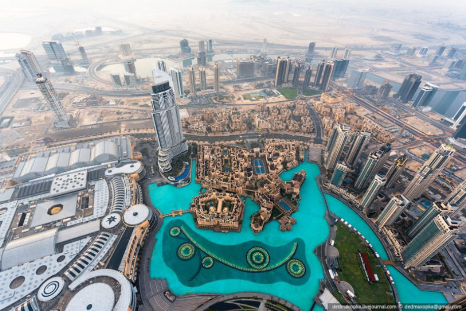 dubai-view-from-building-rooftops-8