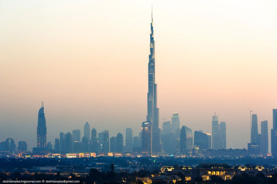 dubai-view-from-building-rooftops-9