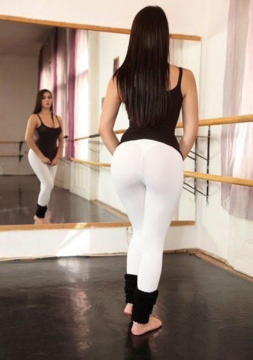 sexy-yoga-pants-34