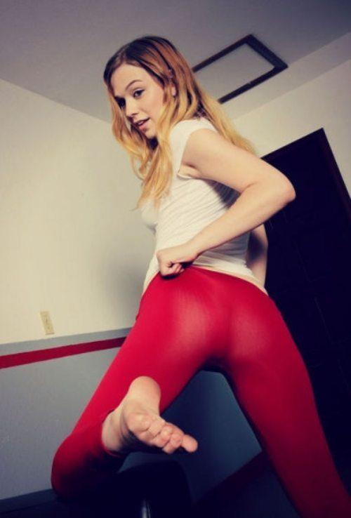 sexy-yoga-pants-47