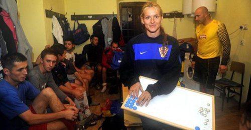 tihana-nemcic-modelo-entrenadora-futbol-1