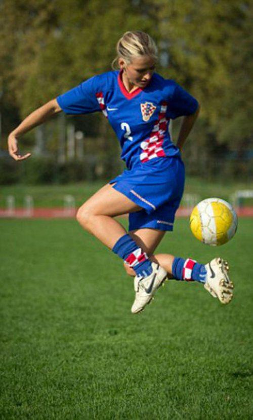 tihana-nemcic-modelo-entrenadora-futbol-13
