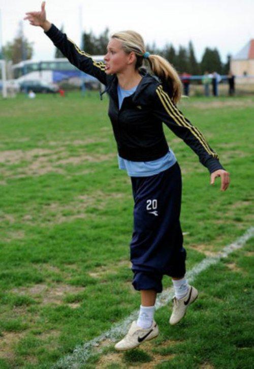 tihana-nemcic-modelo-entrenadora-futbol-5