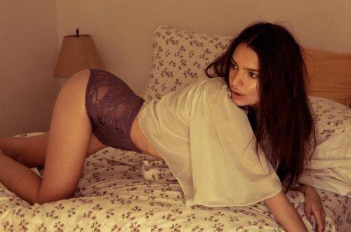Emily-Ratajkowski-15