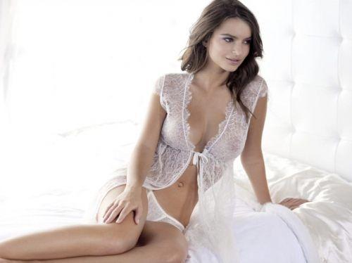 Emily-Ratajkowski-22