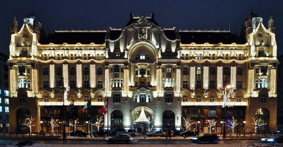 Hotel-convertido-Four-Seasons-Hotel-Gresham-Palace