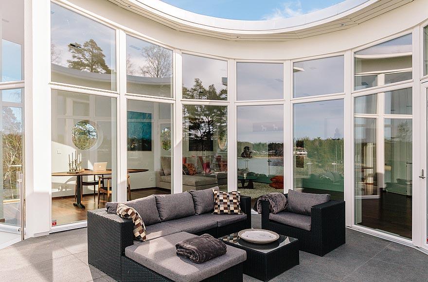 arquitectura-casa-sueca-sala-externa