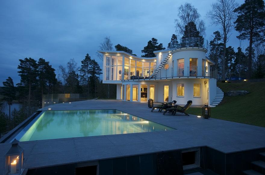 diseño-exteriores-arquitectura-casa-sueca-noche