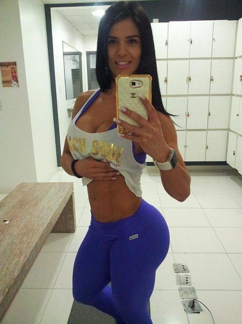 chica-sexy-yoga-pants-7