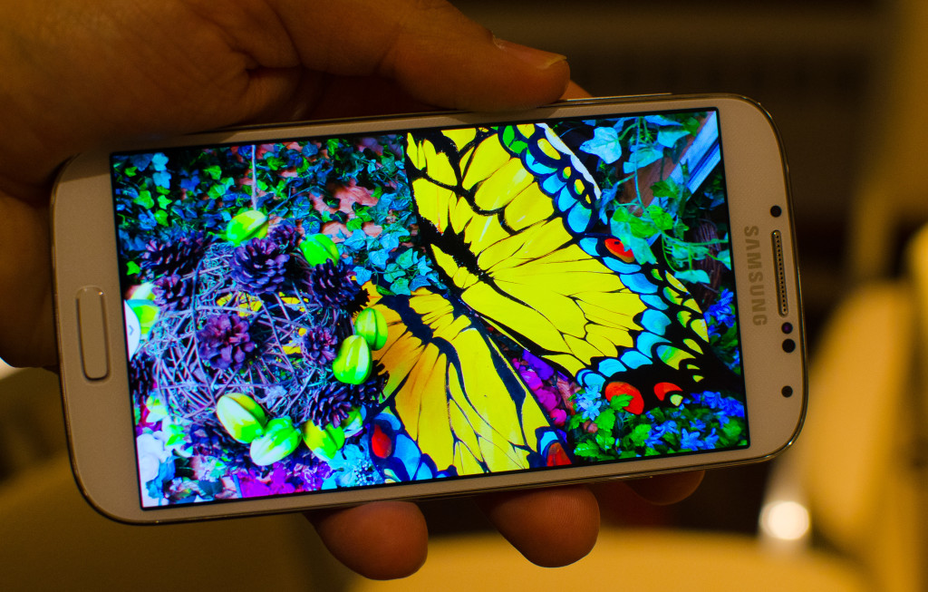 samsung-galaxy-s4-Vs-iphone-5s-1080p