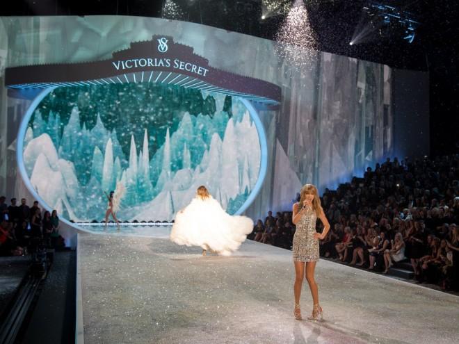 victoria secret fashion show 2013 taylor swift