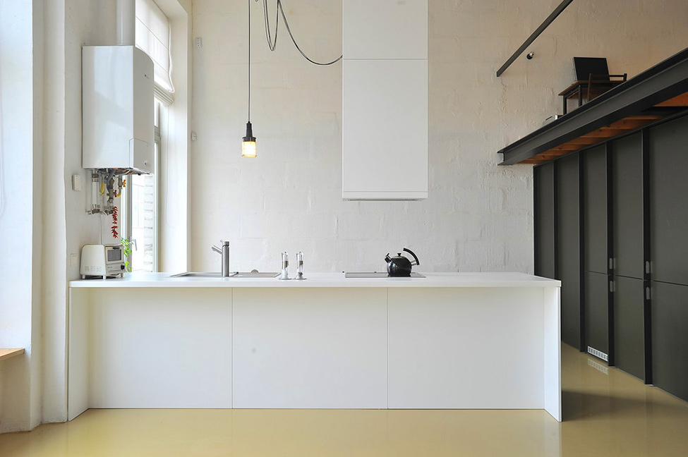 Loft en lituania nos muestra el dise o de interiores for Interiores de oficinas minimalistas