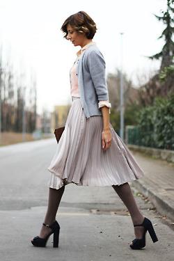 Moda Mujer: Mid-skirt.