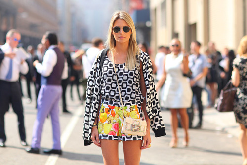 Moda: Cross-Body Bag.