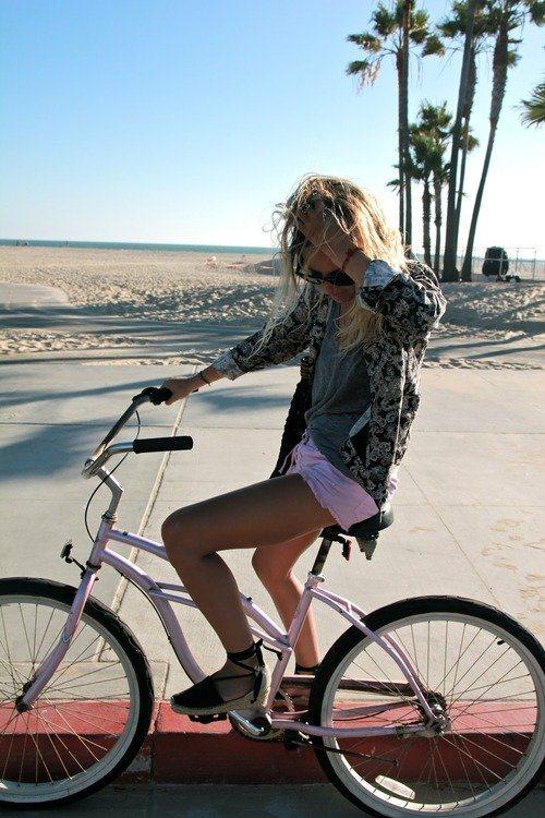 Las mejores chicas en bici para el fin de semana