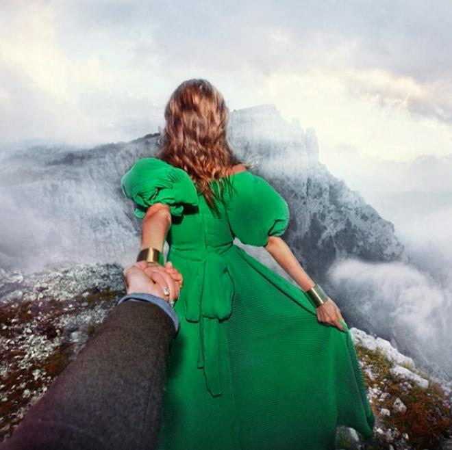 Fotos de Murad Osmann alrededor del mundo con su novia.