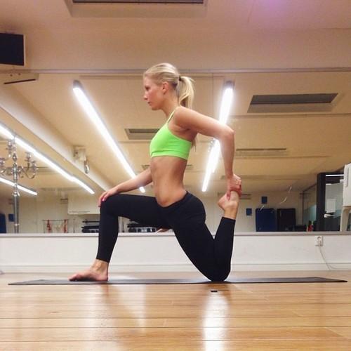 Las chicas del yoga están de regreso