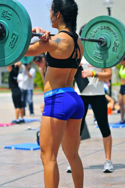 Las chicas del gimnasio vienen a motivarnos