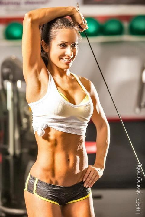 Las chicas más guapas del gimnasio vienen a motivarnos