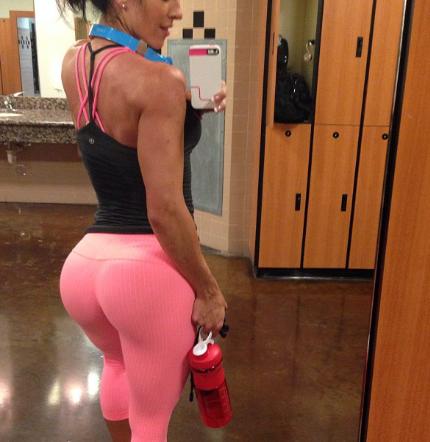 Las chicas del gym tienen los mejores ejercicios para gluteos