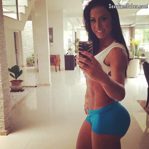 Las chicas del gym tienen los mejores ejercicios para pompa