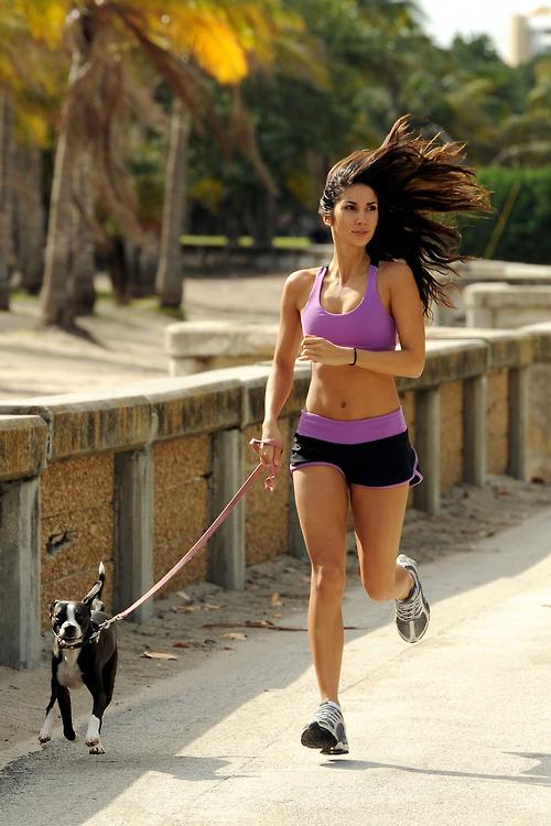 Comienza a correr y motívate con estas chicas