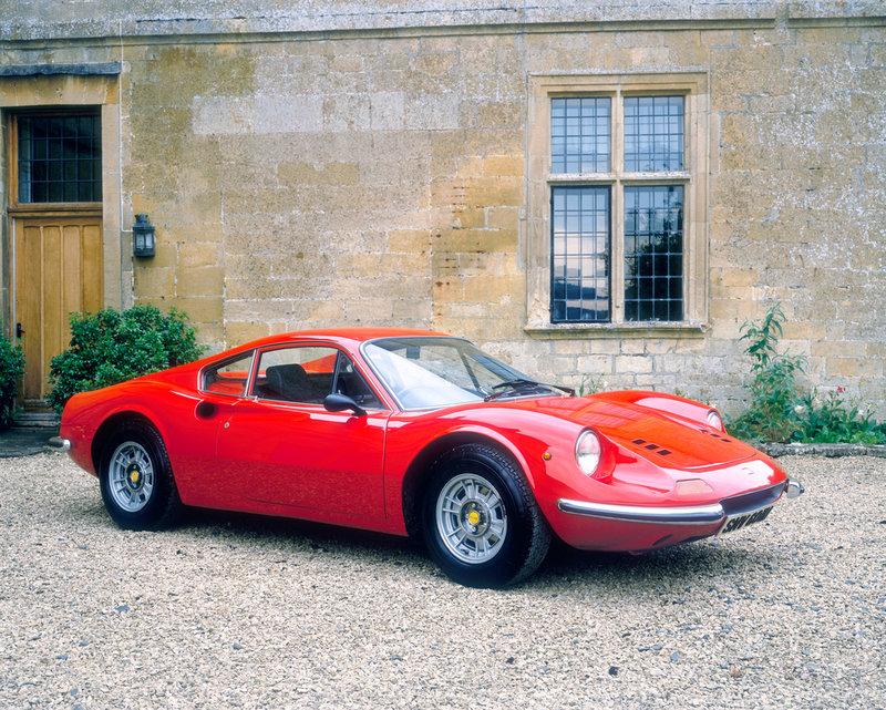 1973-Ferrari-Dino-246-GT-frente