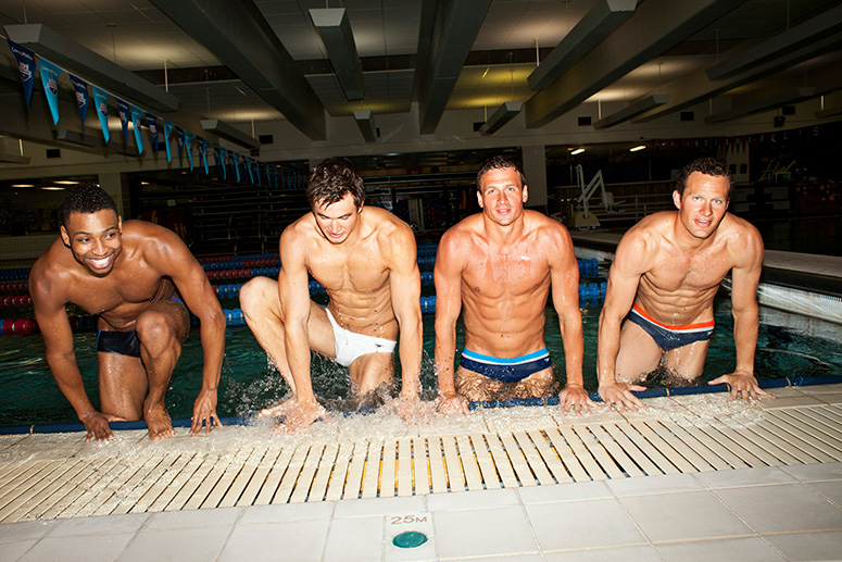 chicos nadadores