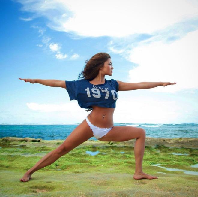Para seguir en Instagram: La más sexy instructora de yoga