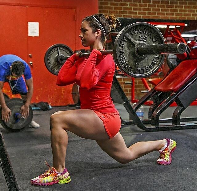 yoga-pants-rojo-sentadilla