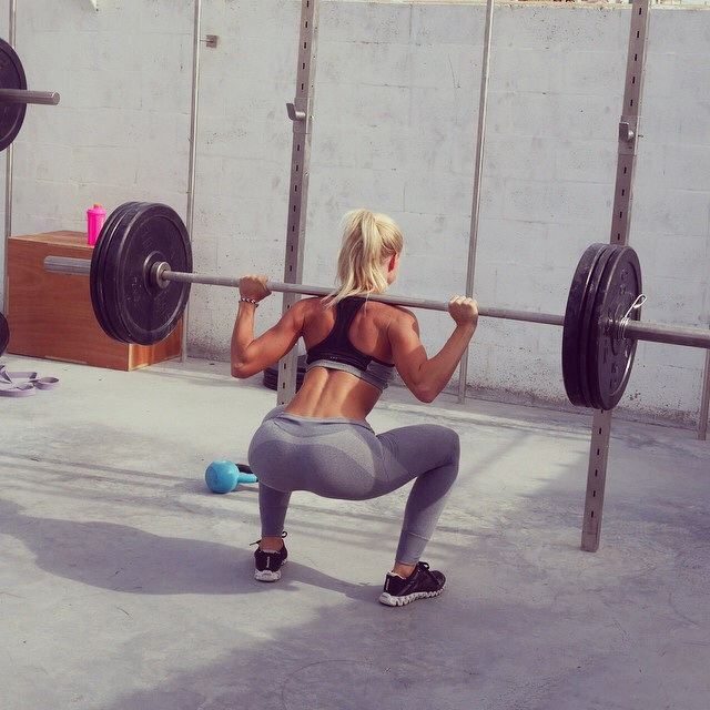yoga-pants-squat