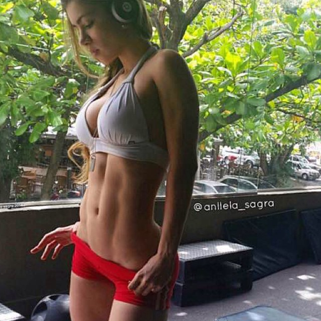 Sexy Abs @anllela_sagra