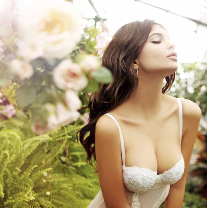 Emily Ratajkowski foros sexy para mejorar el día
