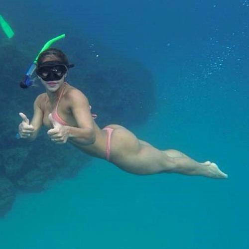bikinis playa y mar