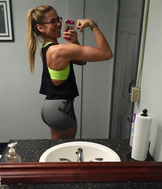 Las chicas del gym nos enseñan lo bueno que es hacer ejercicio