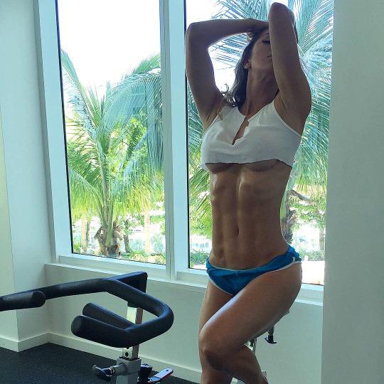 Más imágenes de Anllela Sagra nuestra musa del gym