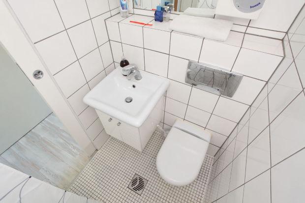 Increíble Mini Departamento para un soltero tan solo 13m² - Baño