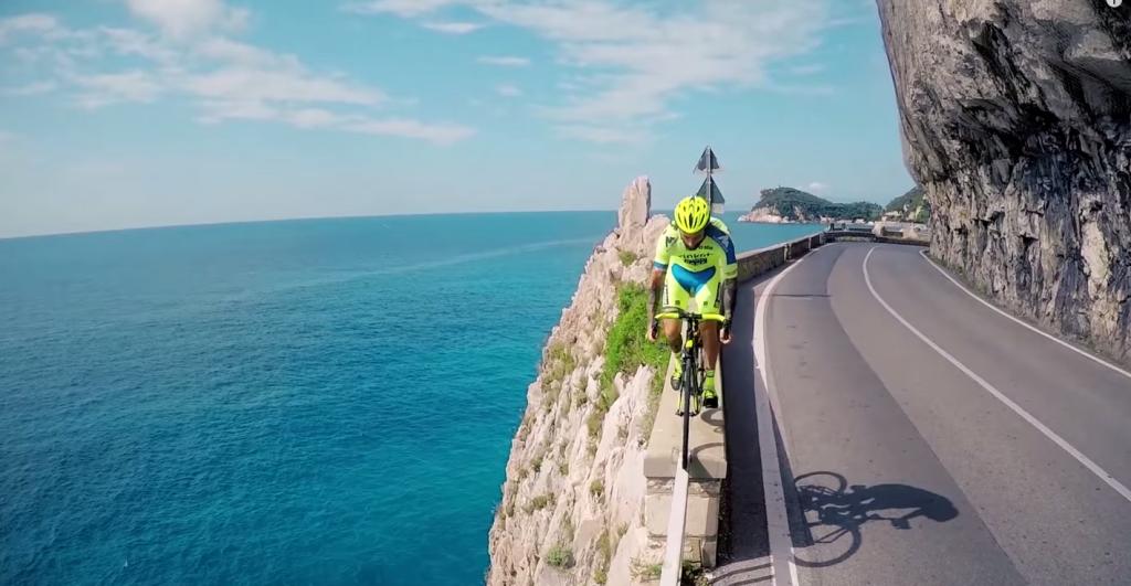 Parkour y ciclismo en un mismo video