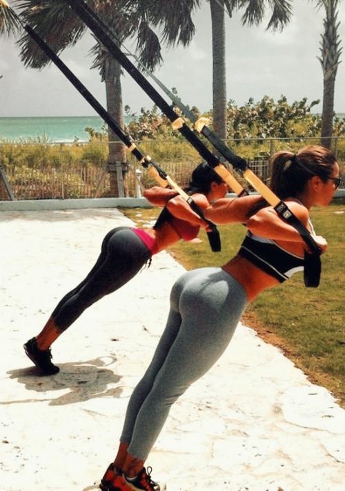 A cosechar pompas de 14 kilates con las Chicas del gym