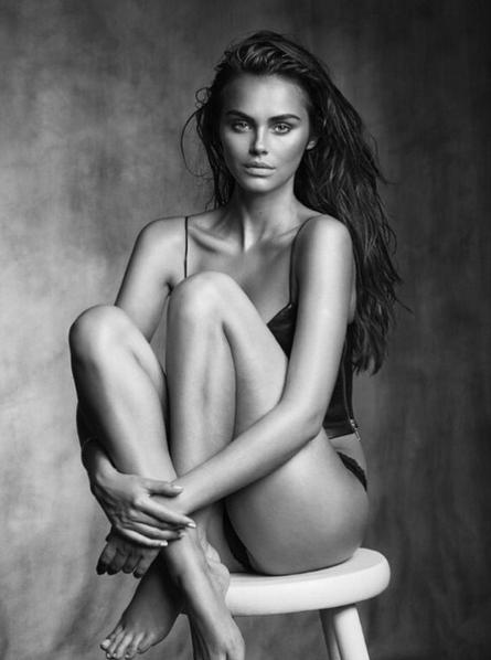 Xenia Deli la sexy novia de Justin Bieber