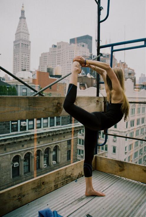 Las chicas van al Yoga