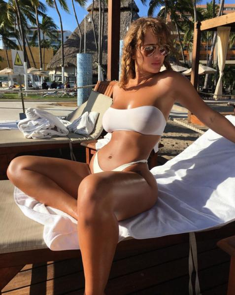 Super sexy Niykee Heaton para el fin de semana
