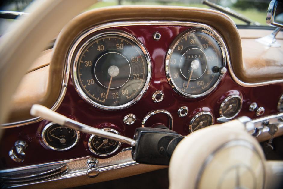 1954 Mercedes-Benz 300 SL Gullwing el clásico que vuela