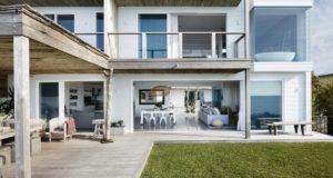 Increíble diseño de interiores en está casa frente al mar