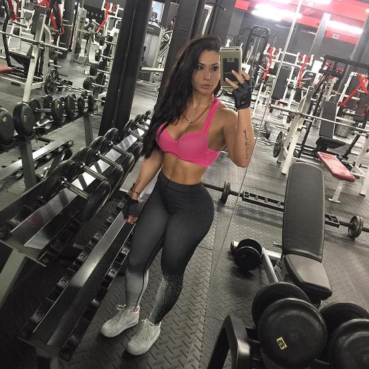Las chicas m s guapas del gimnasio est n aqu el124 for Gimnasio mas