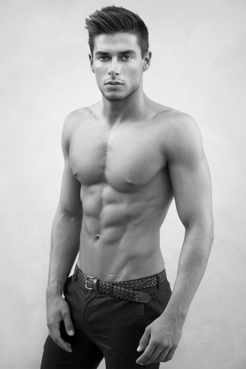 Los hombres fitness se ven así cuando entrenan duro - Abs